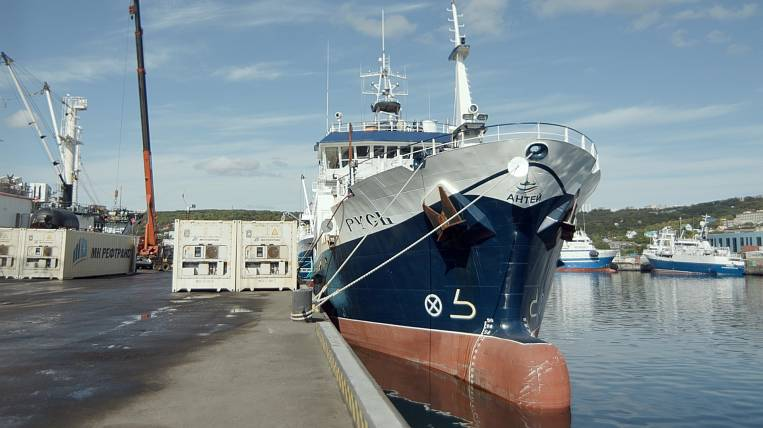 A new crab vessel is preparing for a voyage to Kamchatka