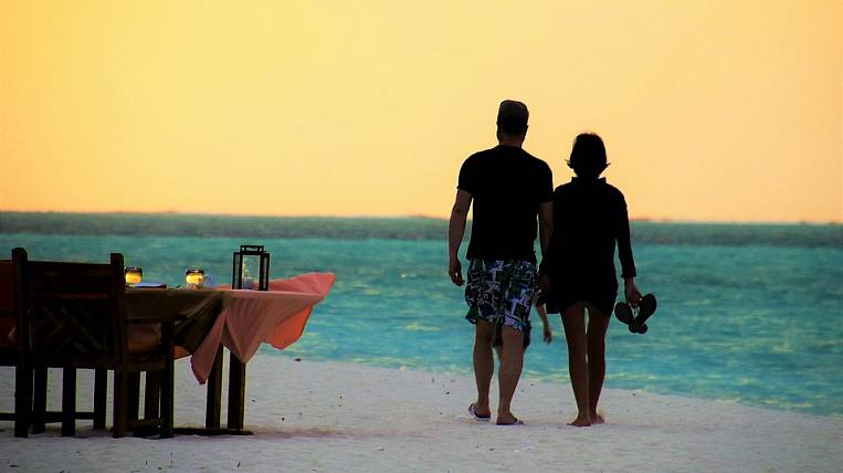 Tour operators plan their first trips abroad no earlier than August 1
