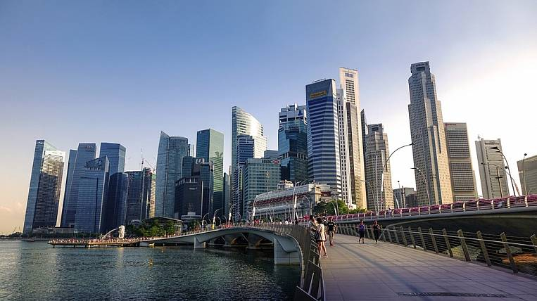 Investors from Singapore can go to the Far East