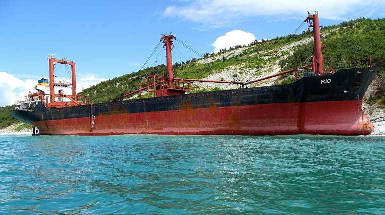 Seamen from Primorye stuck in China do not receive wages for almost a year