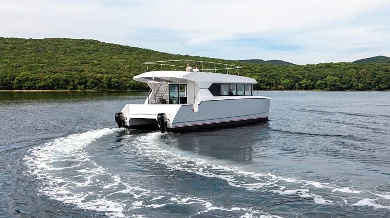 Resident of the Free Port Vladivostok built a catamaran for South Korea