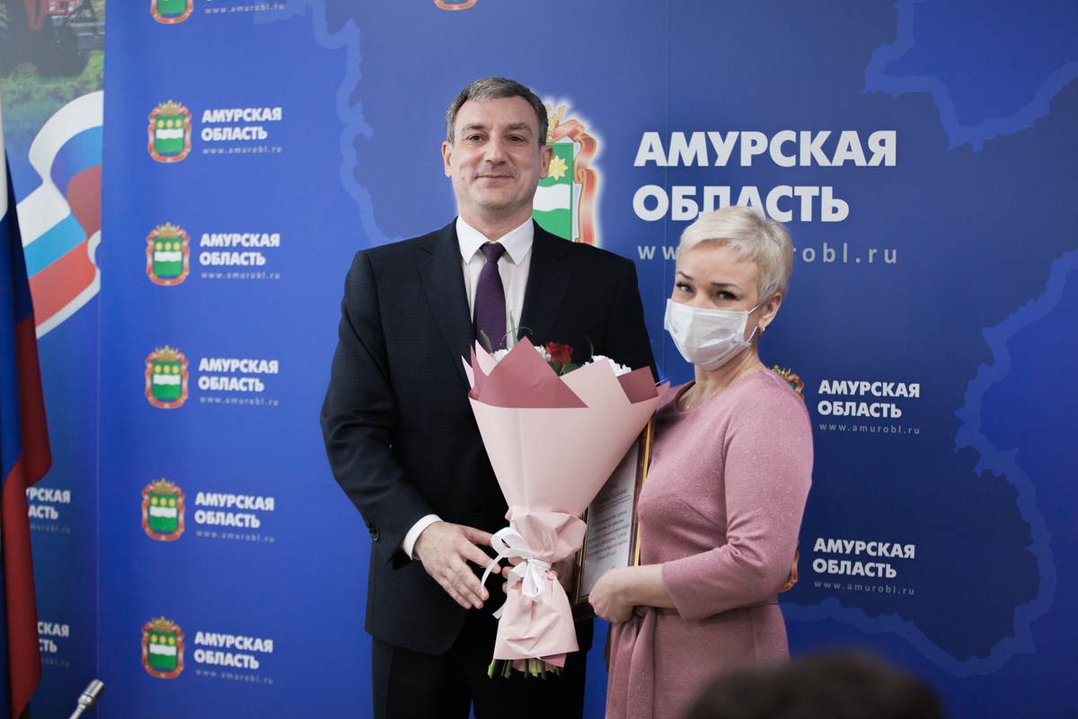 Doctors and rescuers who worked during the fire were awarded by the head of the Amur Region