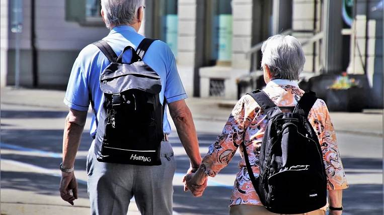 Regions of the Far Eastern Federal District become outsiders in terms of working conditions for pensioners