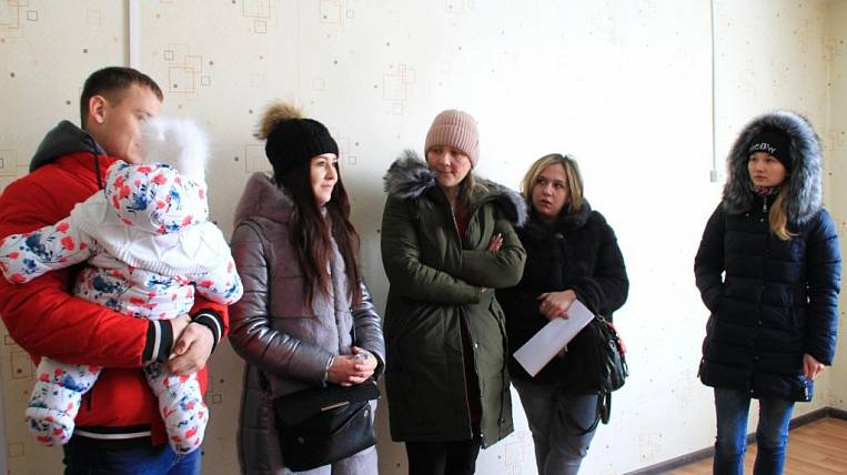 Graduates of orphanages received apartments in Primorye