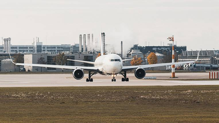 Russia restricts air traffic with all countries