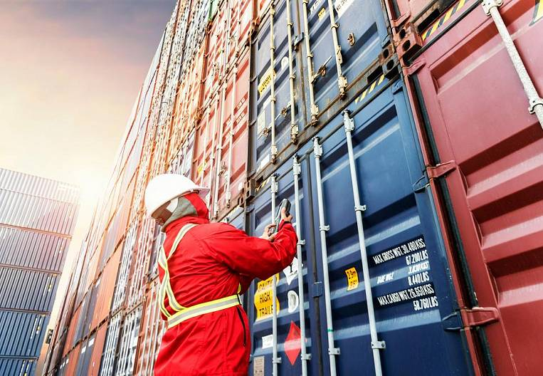 Ode to the Chinese container