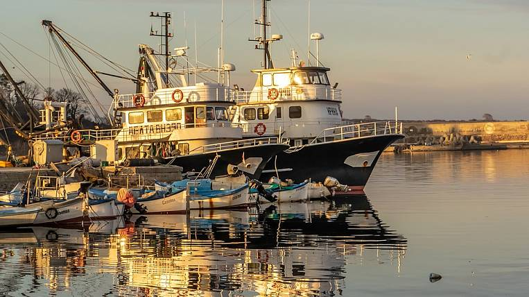 The government will provide subsidies for fishing vessels