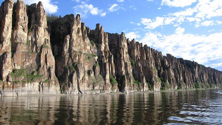 Represent the Yakut journalists on the new mammoth bill and the Lena Pillars