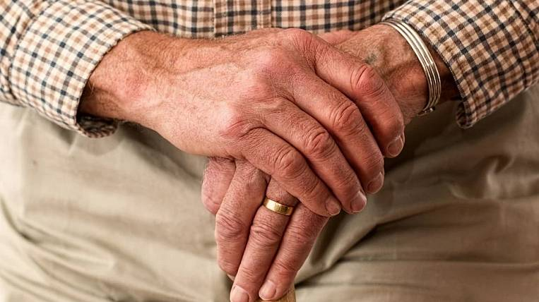 Officials on Sakhalin forced to recognize pensioner as poor