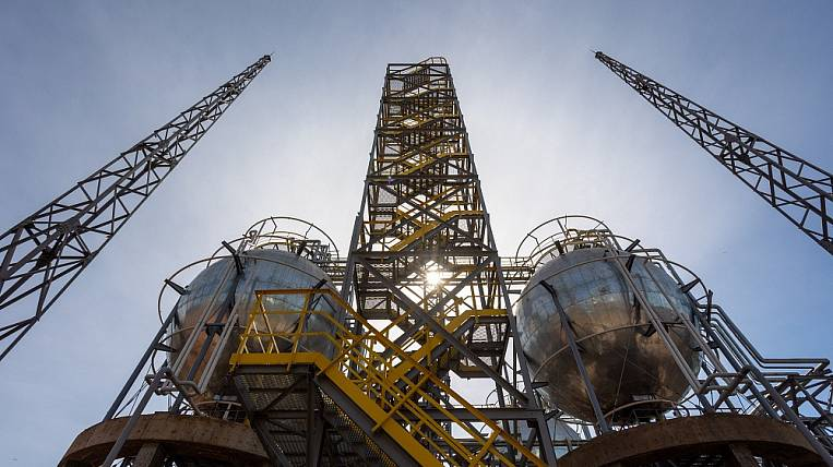 Japan is interested in continuing cooperation with Russian oilmen