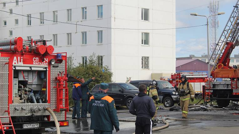 All floors of the former Rosbank building were on fire in Magadan