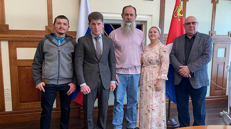 The head of Primorye met with compatriots who arrived from Brazil