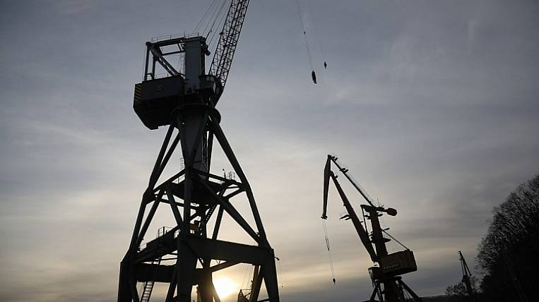 The work of the stevedoring company was suspended in Primorye