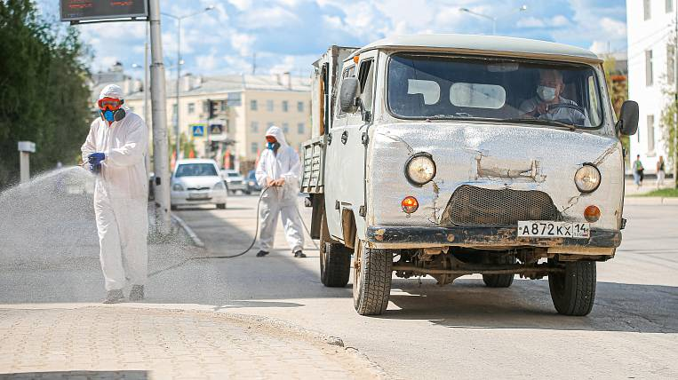 More than 65 thousand square meters. meters of sidewalks disinfected per day in Yakutsk