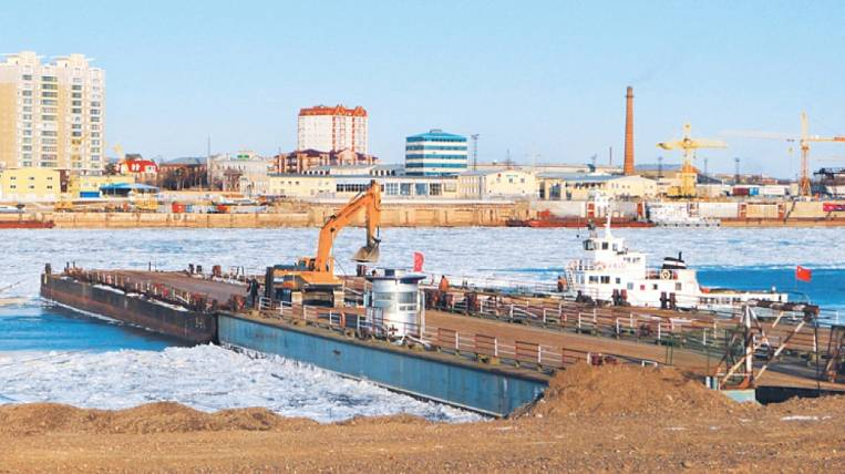 Blagoveshchensk and Heihe will be connected by a pontoon bridge