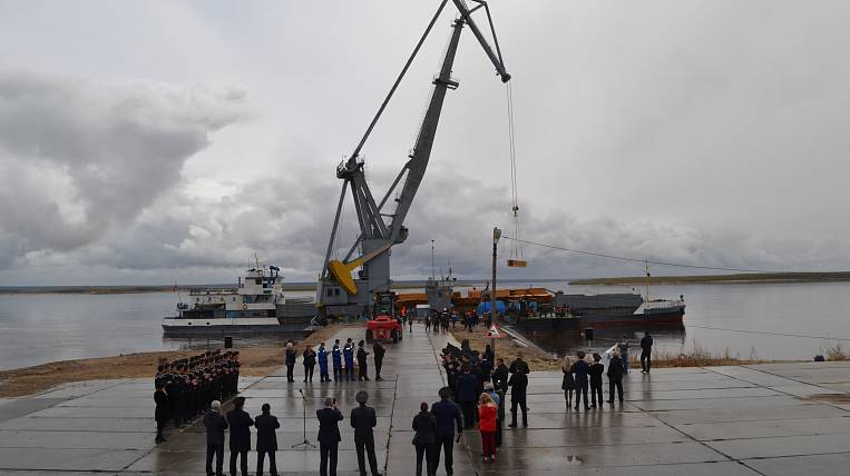 "The motor ship of the ""northern delivery"" opened navigation in Yakutia"