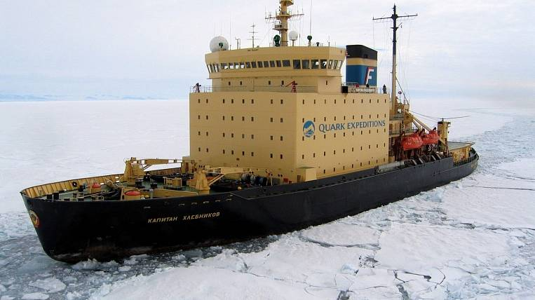FESCO icebreakers complete winter navigation in the Far East