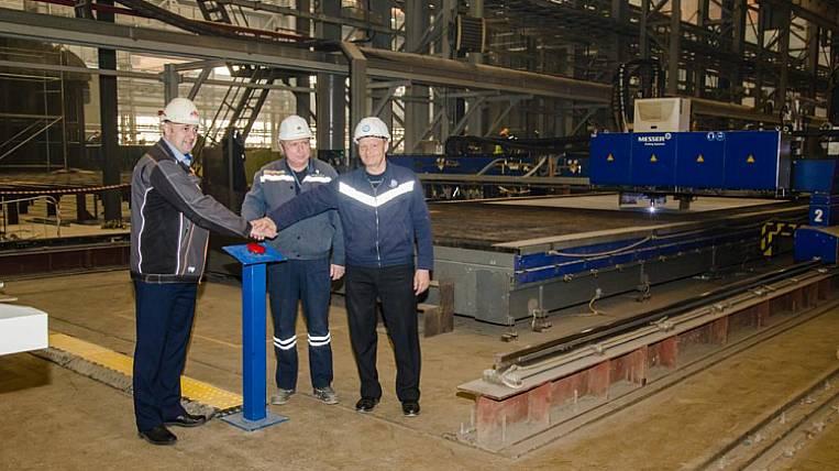 Zvezda has begun construction of a giant tanker