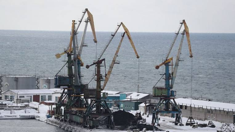 They want to build a fish transshipment port on Sakhalin