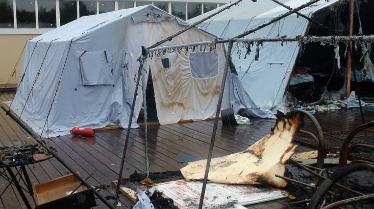 The number of victims of a fire in a tent camp has grown to 12 people
