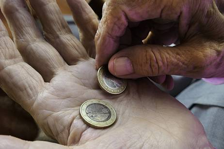 Pensioners can be exempted from personal income tax on deposits